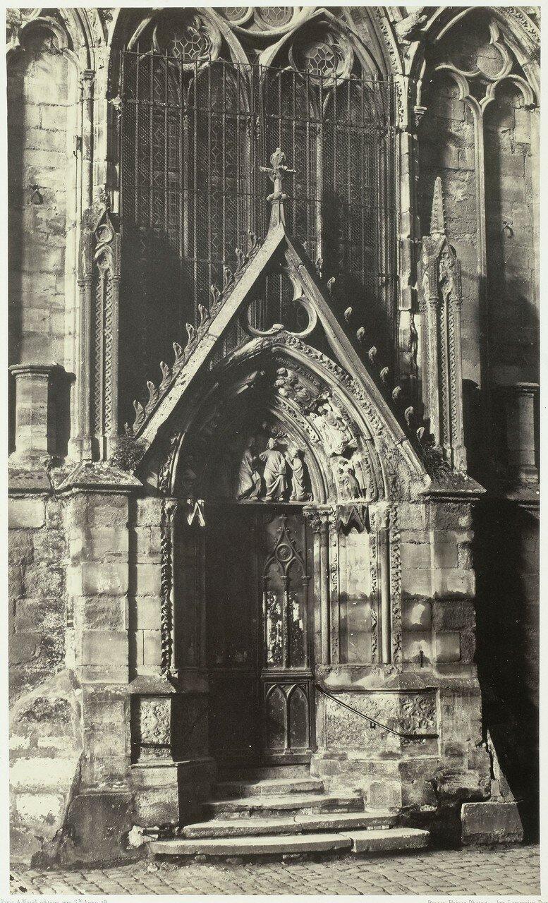 17. Вход в собор с северной стороны