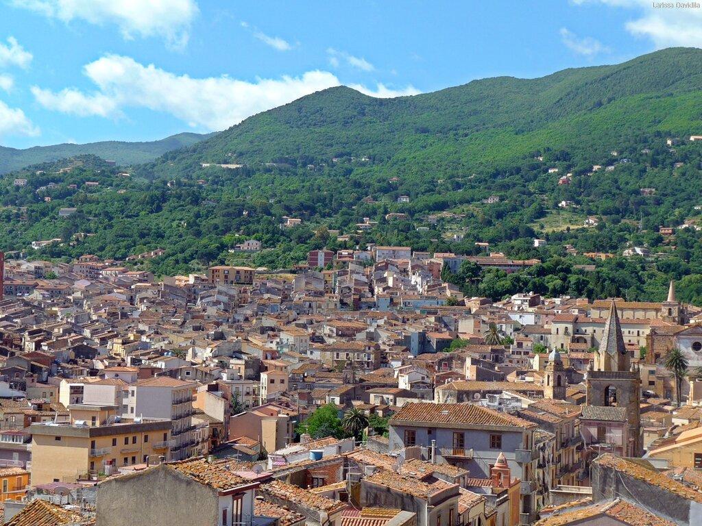 Castelbuono. Вид на город.