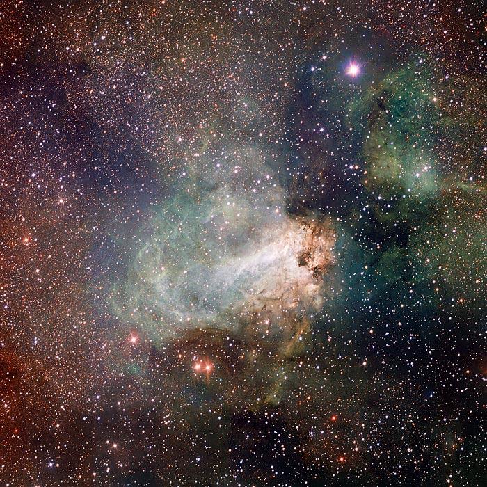 Первые снимки большого космического телескопа в оптическом диапазоне VLT Survey Telescope (VST)