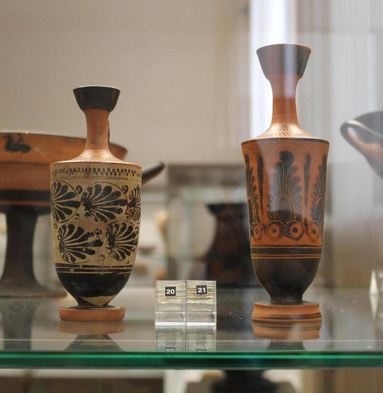 Два лекифа с изображением пальметт