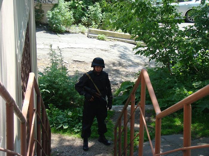 Во Владивостоке должник захватил судебного пристава-исполнителя в заложники