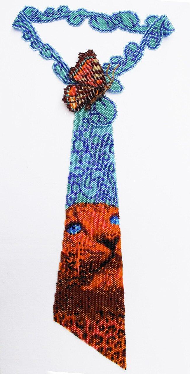 """Бисер  """"ТОНО """" 9 цветов (+2 дополнительных цвета в бабочке).  Количество бисера около 11 000 бисеринок."""