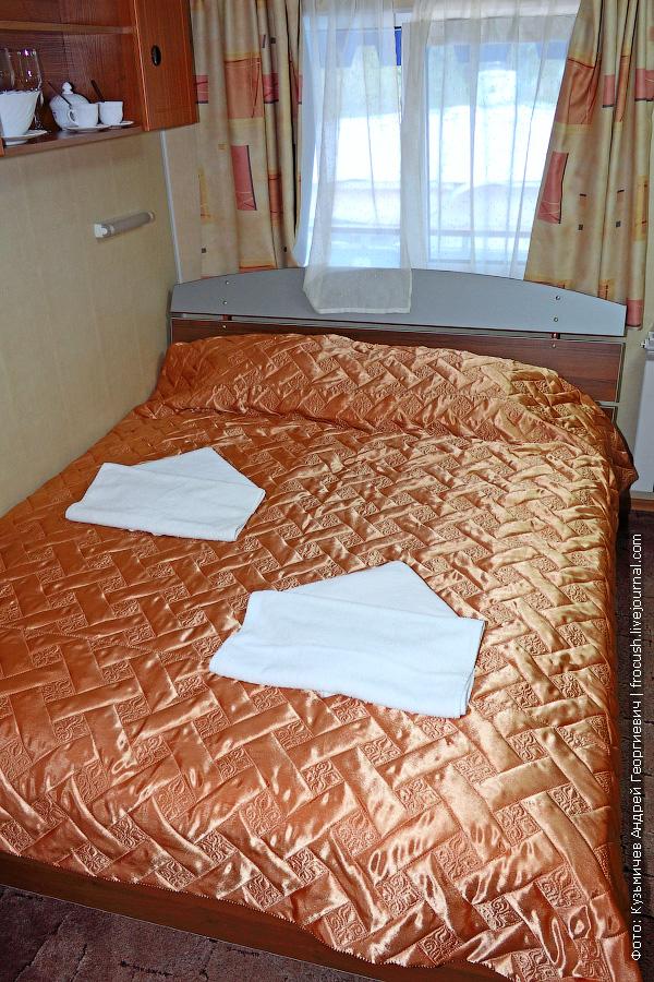 Двухместная одноярусная каюта повышенной комфортности с одним дополнительным местом №414 на шлюпочной палубе теплохода «Н.А.Некрасов»