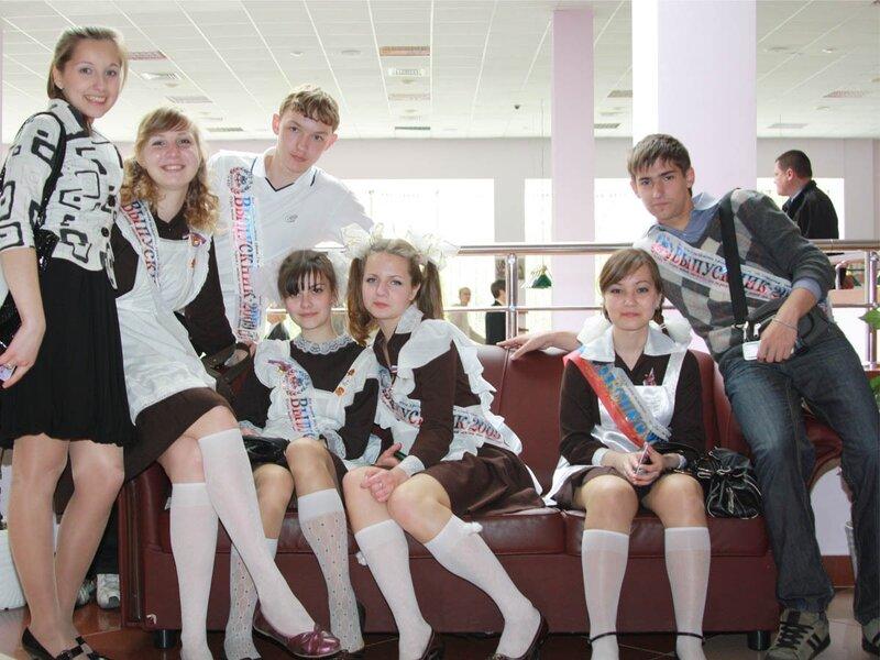 Фото приколов. на которых Вы увидите, как Выпускницы 2011 отжигают