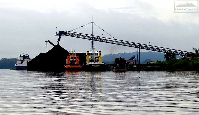 Уголь по Махакаму