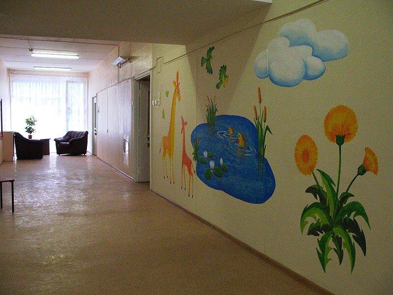 рисунок на стене в детской больнице