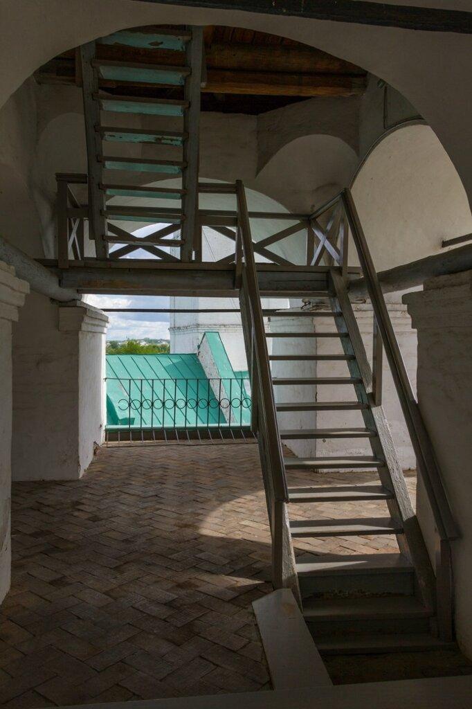 Лестница в звоннице, Спасо-Преображенский монастырь, Ярославль
