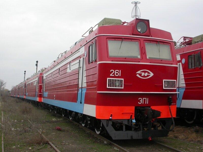Пассажирский электровоз переменного тока ЭП1.