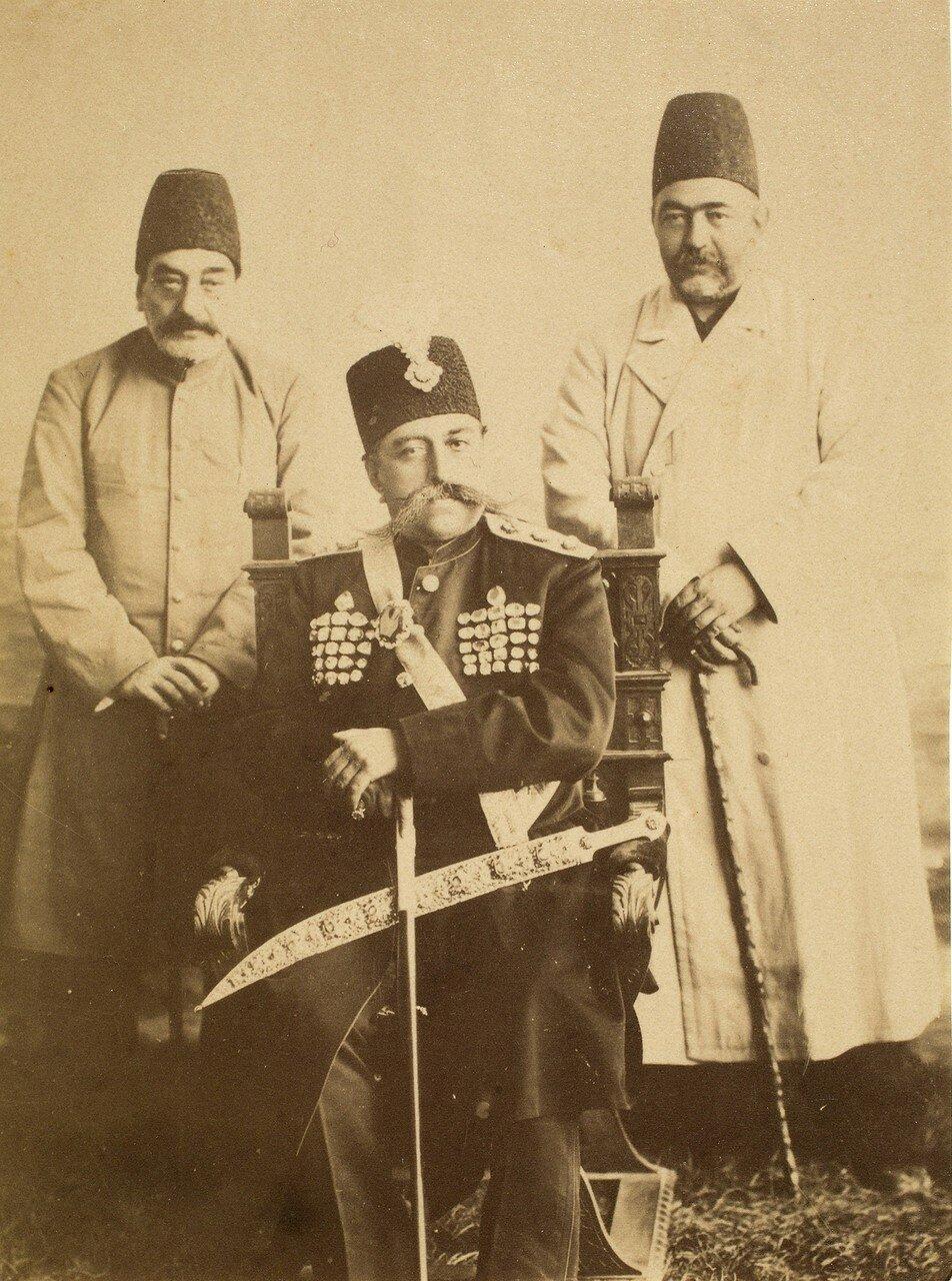 Мозафереддин-шах Каджар  в сопровождении Амин аль-Султана и Мушир аль-Даула