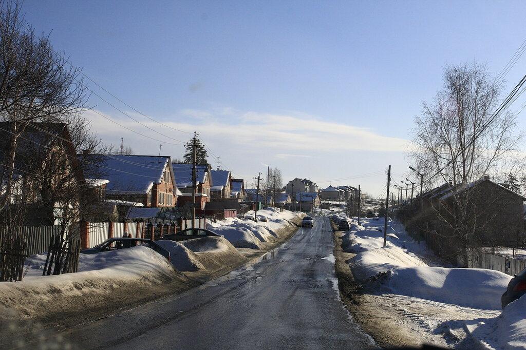 Улица Олимпийская в Кусе весной