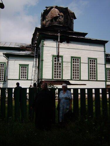 Горів Божий храм у Городищі. Фото
