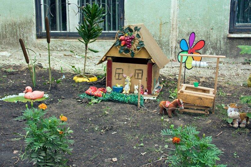 Как красиво украсить двор на новый год