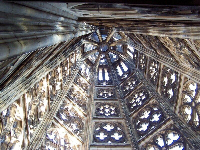 Turmspitze von innen, Blickrichtung nach oben