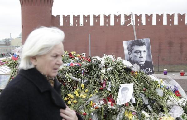 Убийство Немцова оголило конфликт в окружении Путина – Reuters