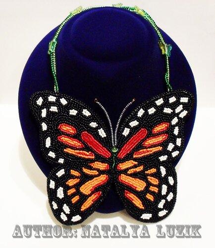 Фантазийная бабочка Монарх - вышитое бисером колье.