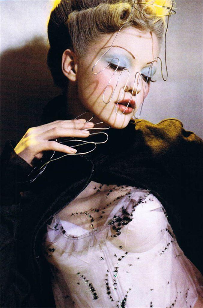 модель Влада Рослякова / Vlada Roslyakova, фотограф Camille Vivier
