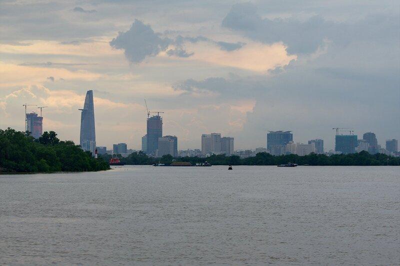 Вид с реки Сайгон