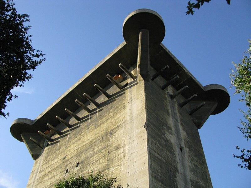 Вена, Аугаттен, башня L - 1020.jpg