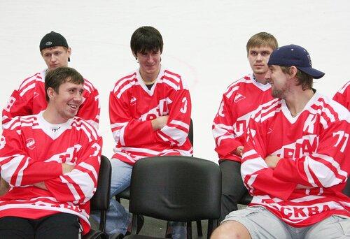 Тренировка ХК Спартак и встреча с болельщиками 26-08-2011