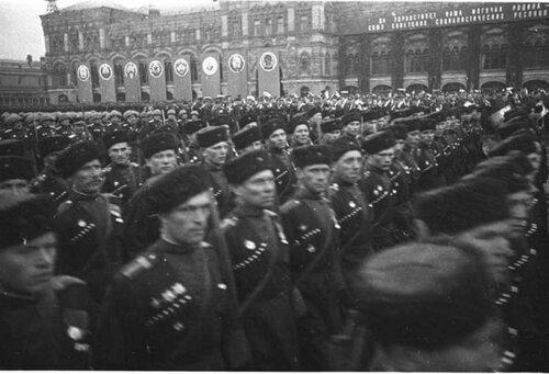 Cosacos ayudando a los antifascistas ucranianos 0_525c2_442fde73_L