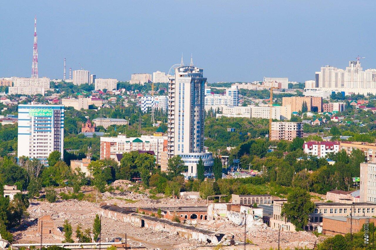 Развалины ЗИМа и новая башня