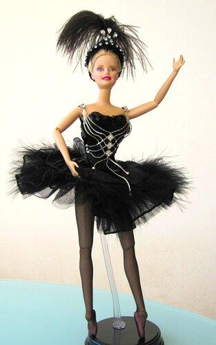 Alla Doldaleva: хочу представить вам мою первую работу в стиле высокой моды - Kimberly Club. Одежда для кукол.