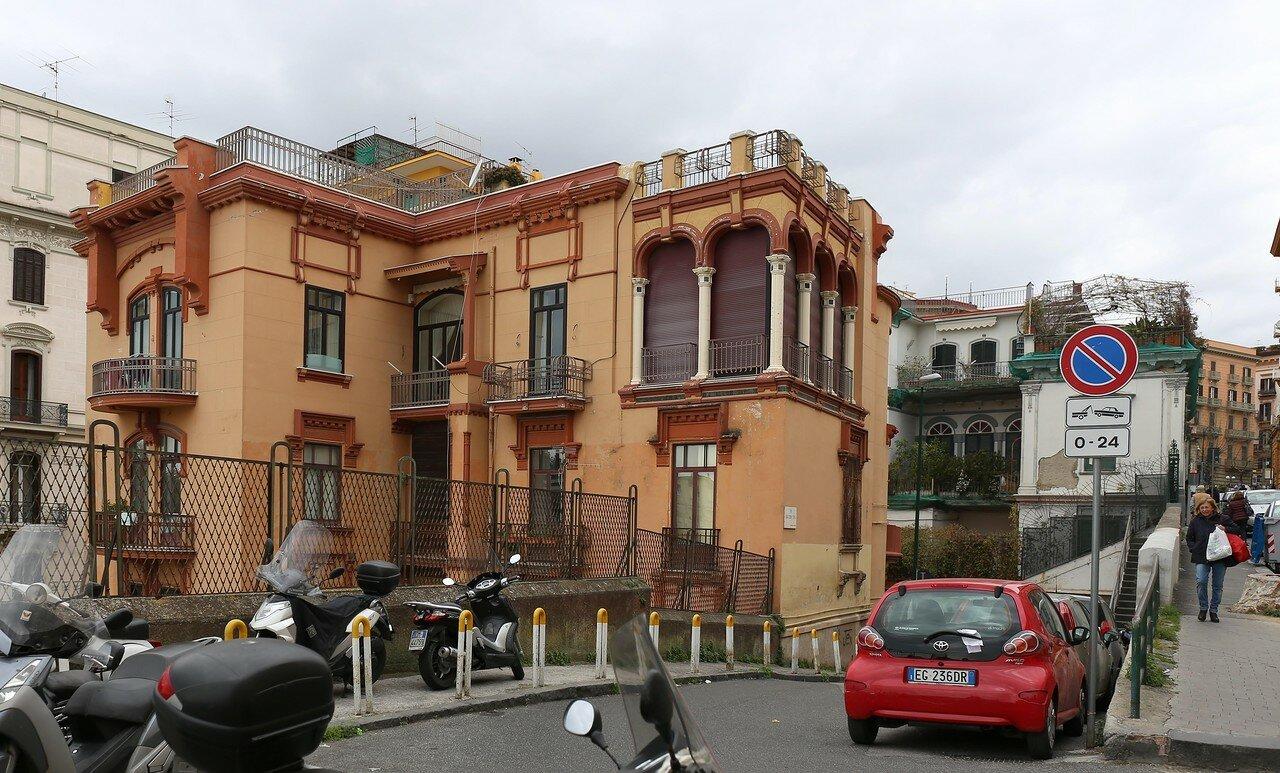 Naples. Via Luigia Sanfelice)