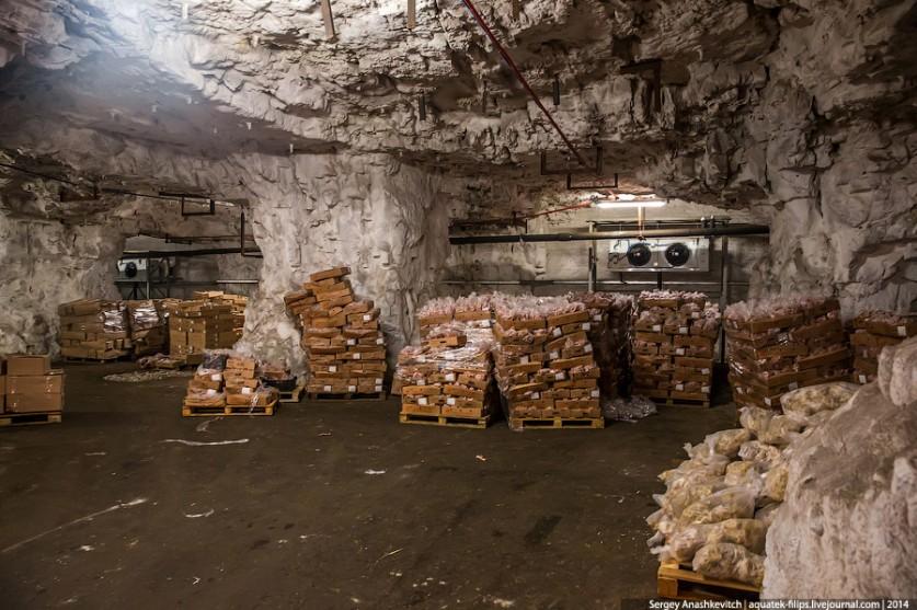 6. Последнюю партию советских продуктов — 300 тонн сливочного масла — отсюда вывезли в 1992 году, по