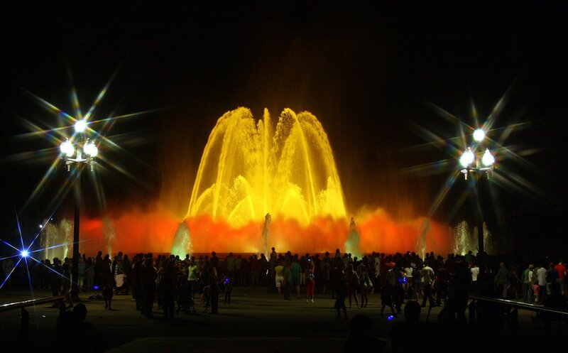 Цвето-музыкальный фонтан