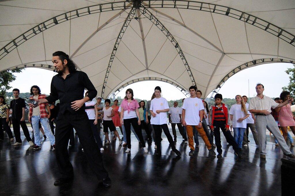 Танцевальный марафон в Лужниках
