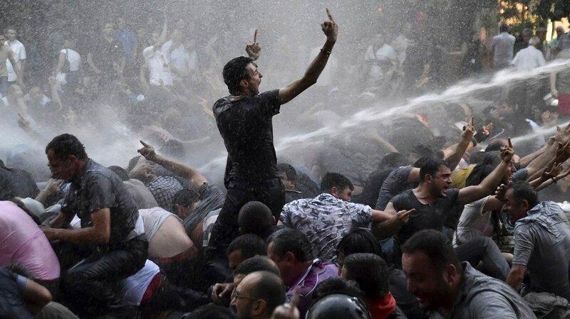 protesty-v-armenii-iz-za-povysheniya-tarifov-na-elektroenergiyu1.jpg