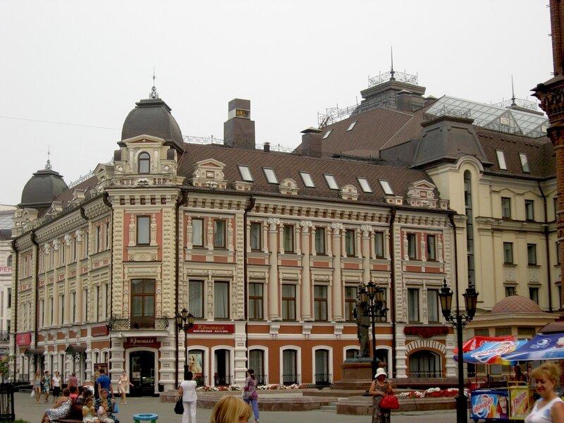 На улице Баумана в Казани