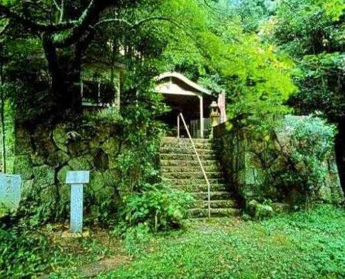 Святилище Ама-сёгун в Кумано.