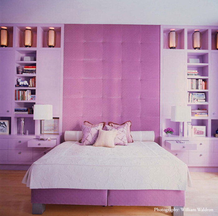 Интерьер серый с розовым