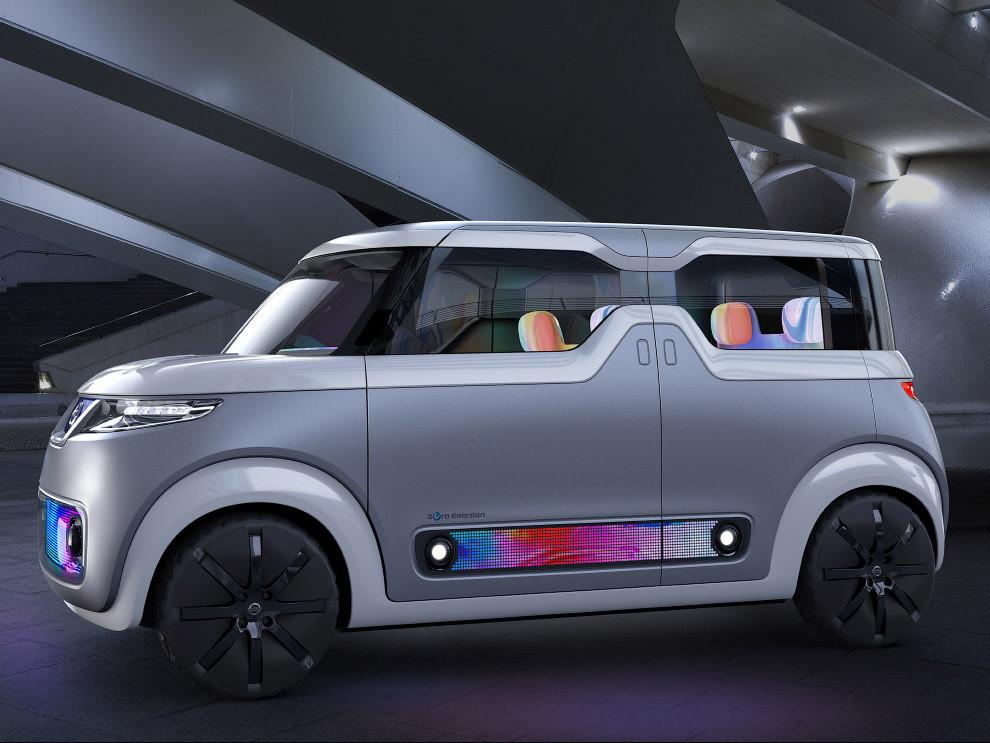 9. Водородный автомобиль FCV Plus. Вообще, экология и новые виды энергии стали главными модными веян