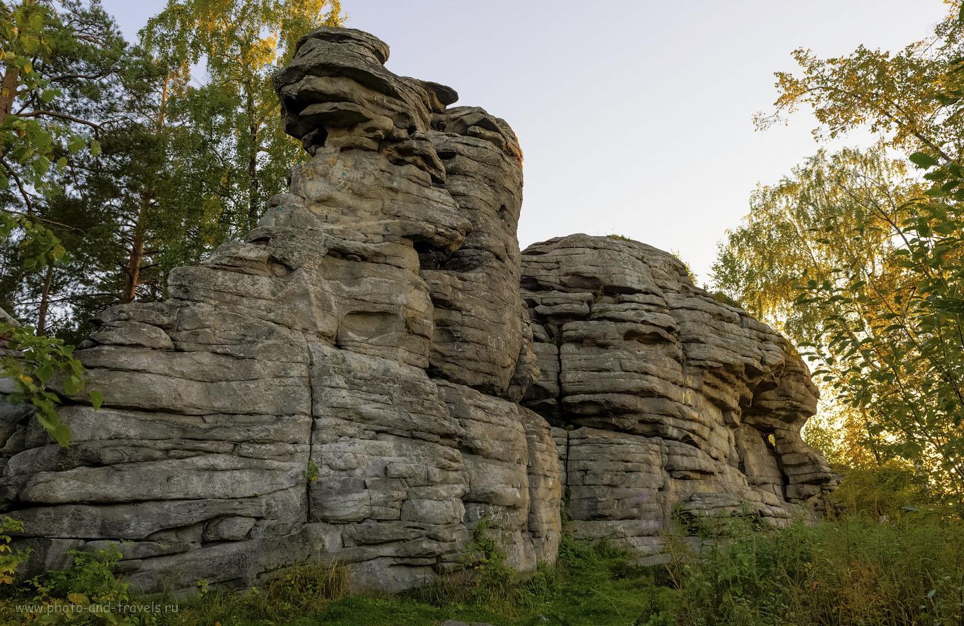 3. Пеший поход выходного дня. Высота скал Петра Гронского составляет около 12-ти метров.
