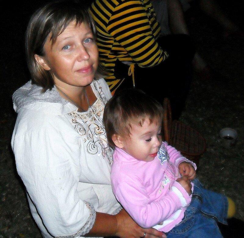 Мама с дочкой.