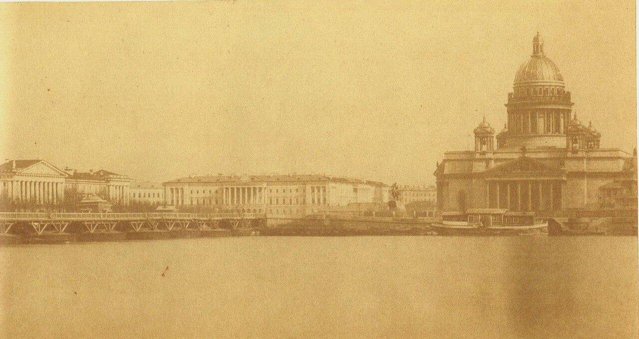 Вид на Сенатскую площадь и наплавной мост