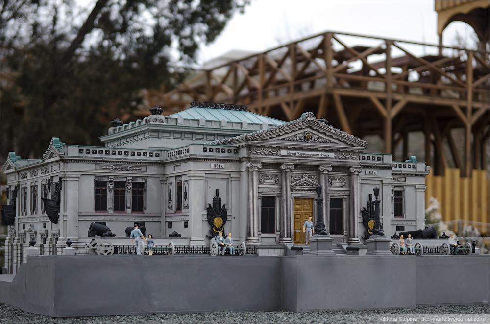 Музей Краснознаменного Черноморского Флота в Севастополе. Бахчисарай, парк миниатюр.