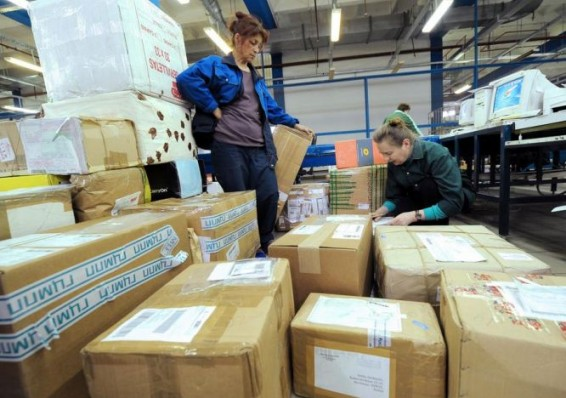 Мясникович хочет взимать НДС с товаров в зарубежных посылках