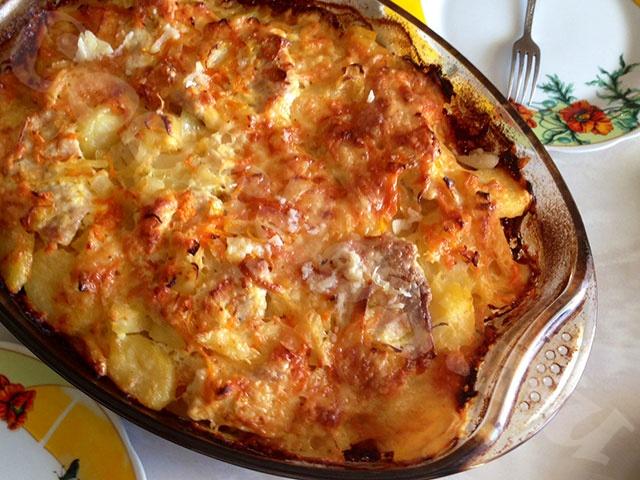 Картошка со свининой запеченная в духовке рецепт с пошагово