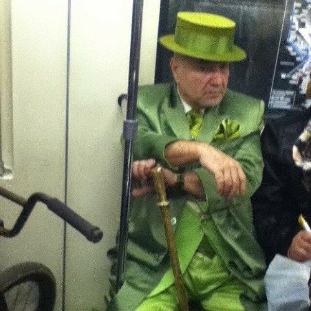 самые-странные-люди-в-метро2.jpg