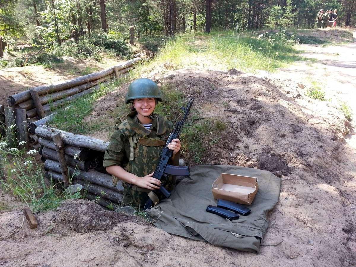 От тайги до британских морей ... : Лица девушек из Российской армии (1)