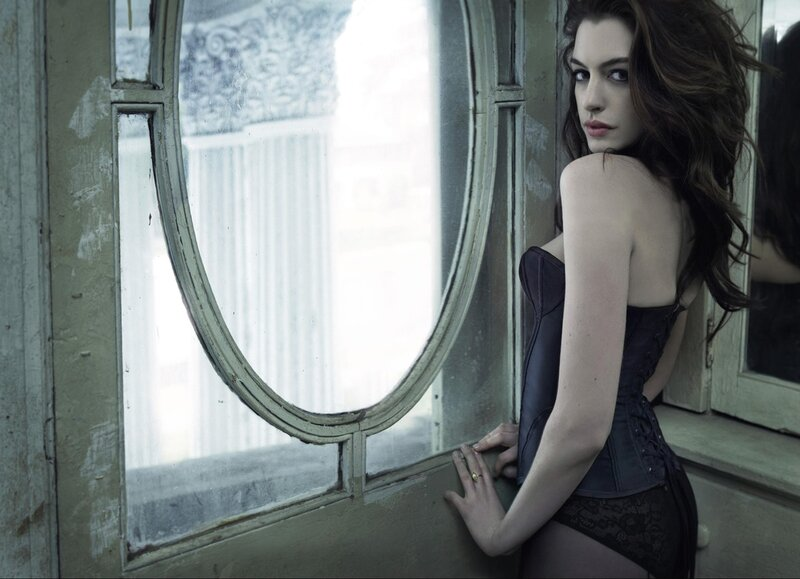Энн Хэтэуэй (Anne Hathaway) 2010