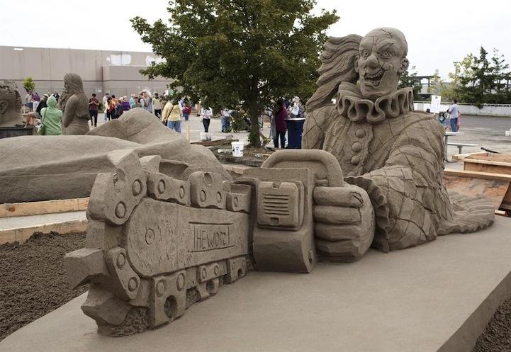 Сюрреалистические песочные скульптуры