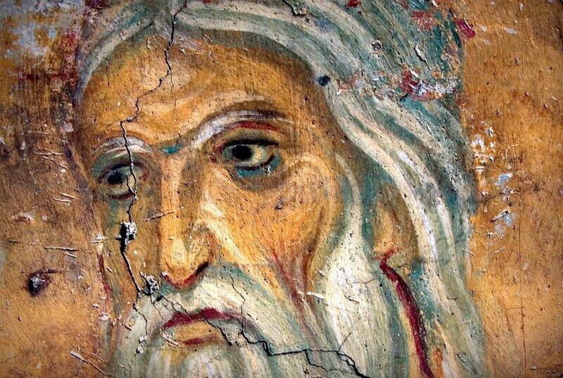 Распятие Христа. Фреска церкви Богородицы в Студенице, Сербия. 1208 - 1209 годы. Фрагмент. Пророк Исаия, предсказавший страдания Спасителя.