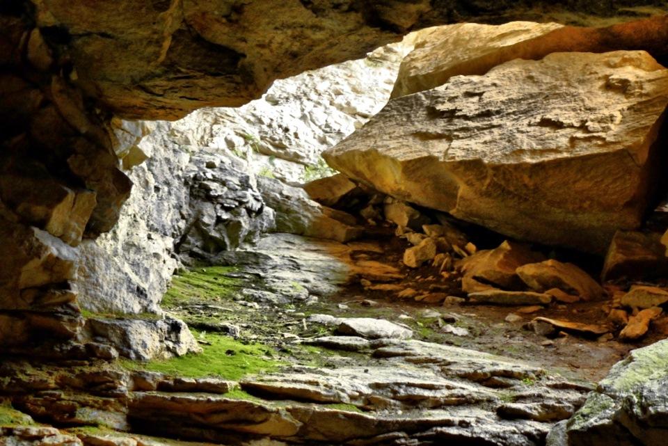 Пещера на каменном карьере  (26.10.2015)