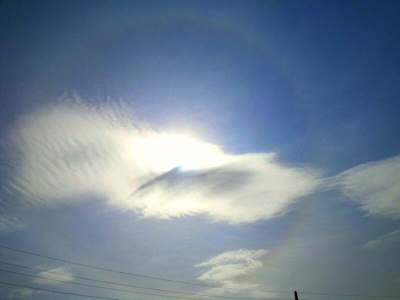 Гало и радужные облака 2011.08.27