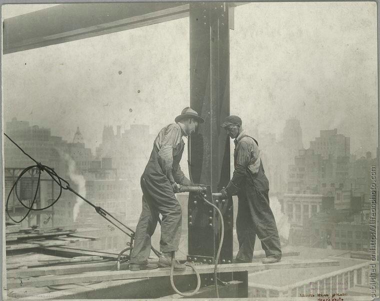 Строительство Empire State Building. Фото Lewis Hine