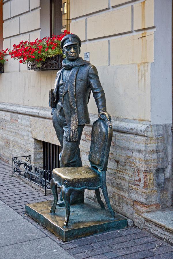 Санкт-Петербургг, памятник Остапу Бендеру на Итальянской улице